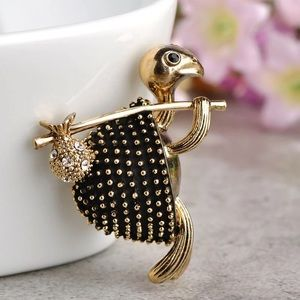 Jewelry - Vintage Style Walking Turtle Brooch
